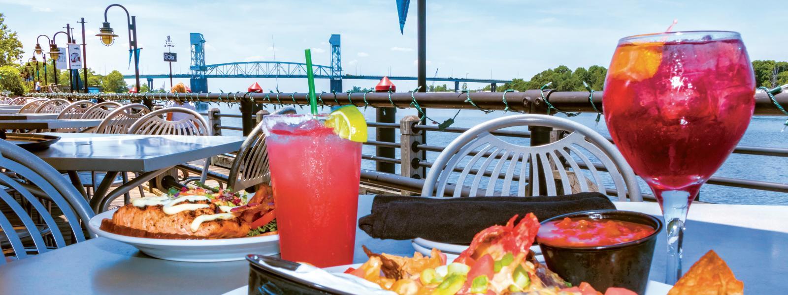 Outdoor Dining In Wilmington N C Riverwalks Rooftops