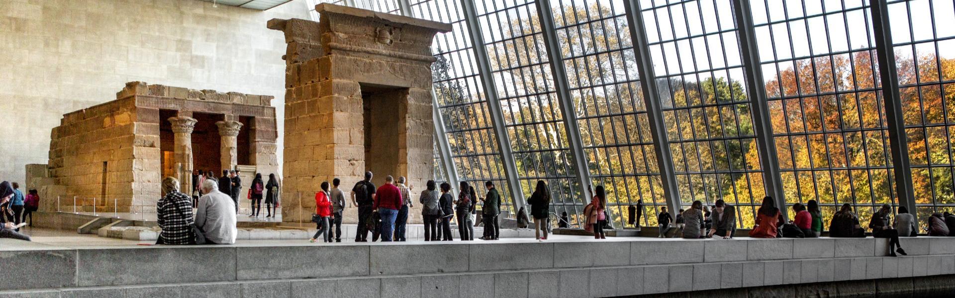 HeaderCrop-Temple-of-Dendur-Metropolitan-Museum-of-Art-Brittany-Petronella_X9A7045