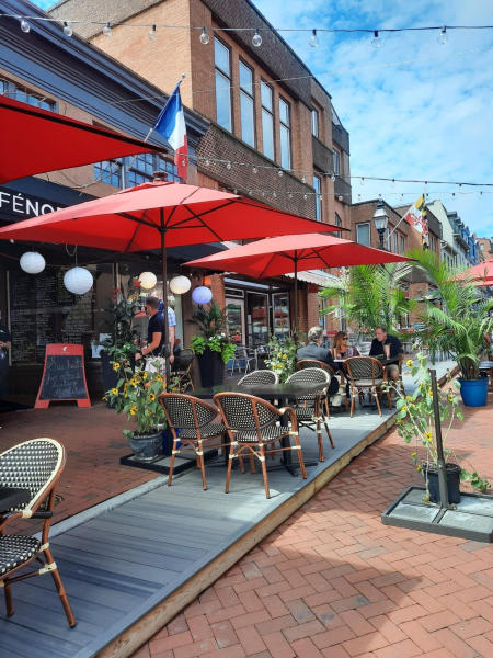 Cafe Normandie outdoor dining zone