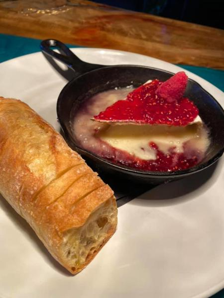 baked brie from repertoire restaurant in florence ky