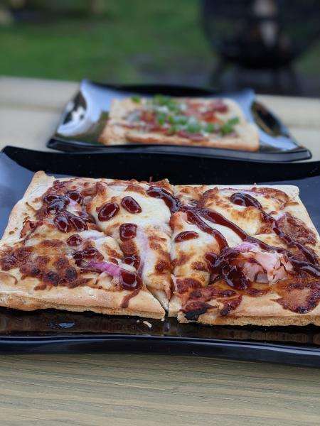three spirits tavern bbq flatbread