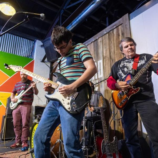 A band performing at Switchyard Brewing Co.