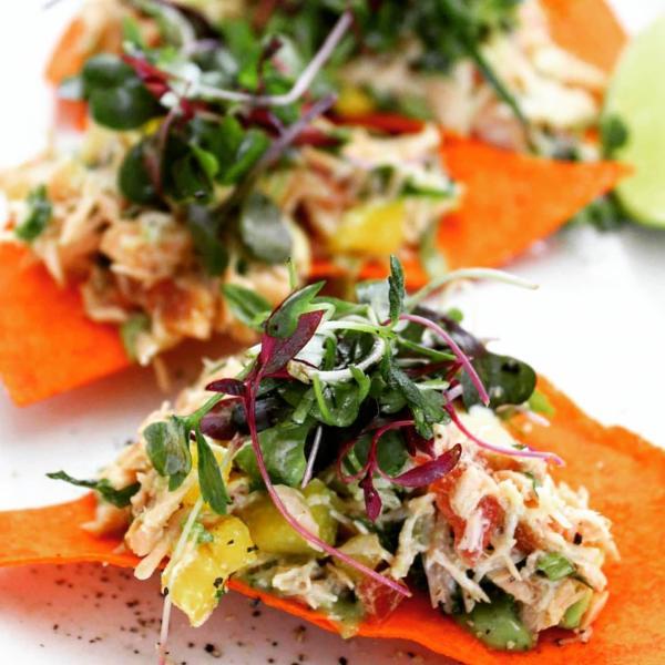 Hugo's salmon nachos