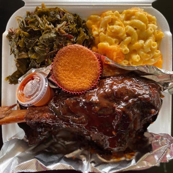 Soul food with collard greens and mac n cheese