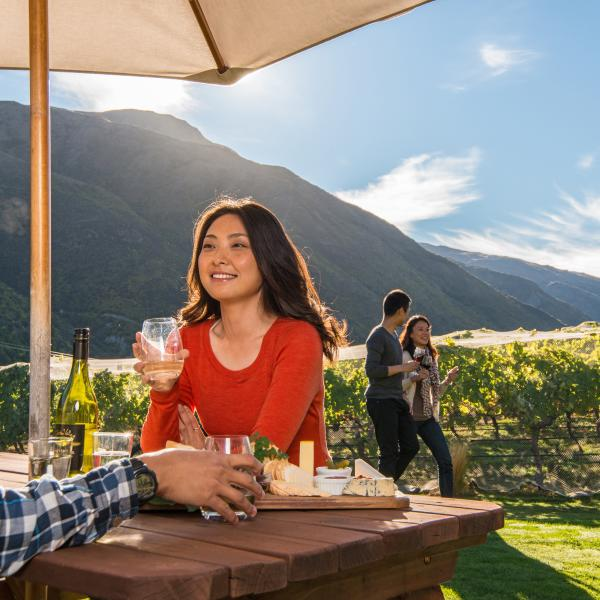 Al fresco dining at Winery in Gibbston Valley Queenstown