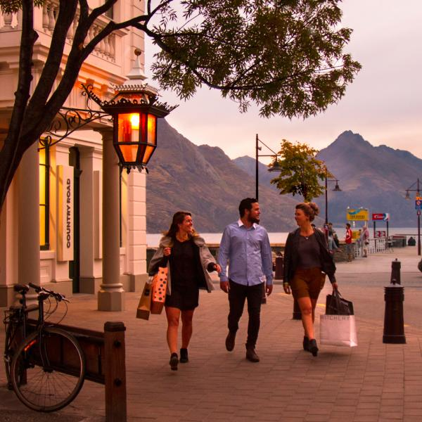 Shoppers enjoy Queenstown boutique stores
