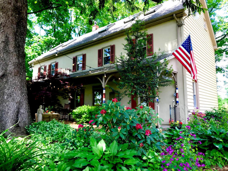 Galvanized America Inn