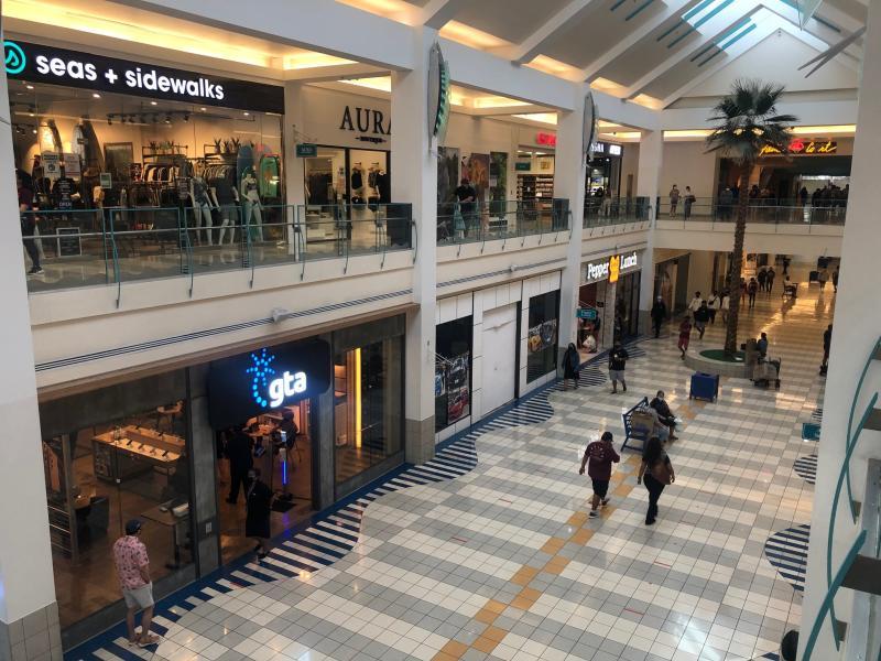 micronesia-mall-may02