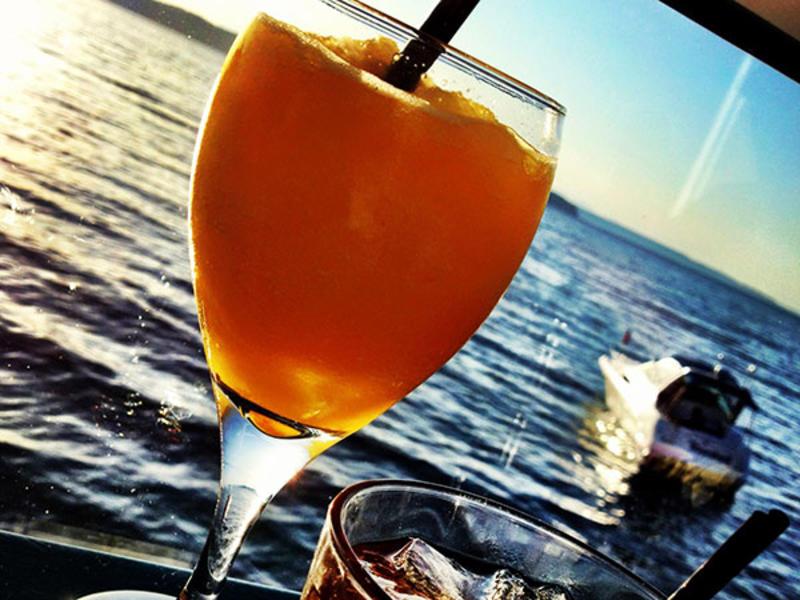 Happy Hour Cocktails at Salty's Restaurant in Redondo Beach WA