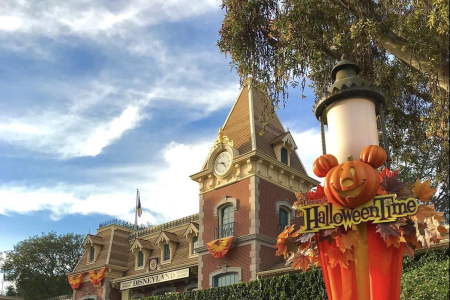 Halloween Time at Disneyland Park