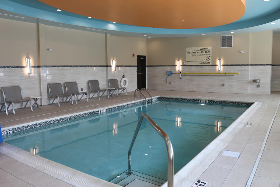 Hampton Inn Providence Pool