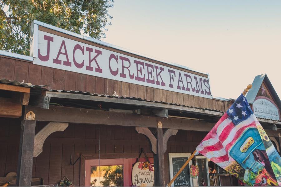 Jack Creek Farms sign