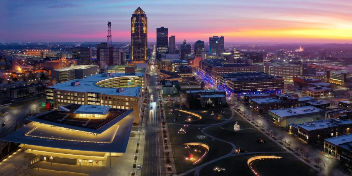 Aerial view of the skyline night and downtown Des Moines