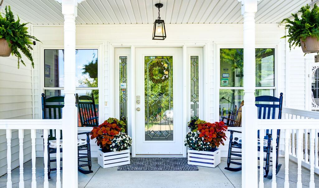 brindle-and-blonde-front-porch