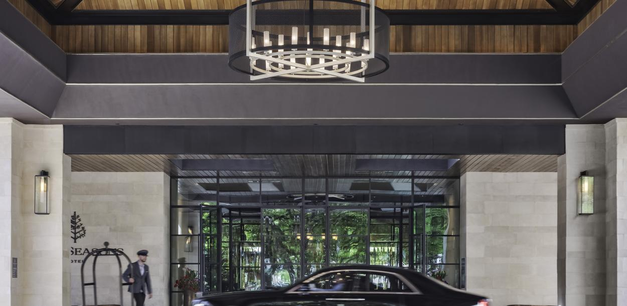 Front Drive at the Four Seasons downtown Austin Texas hotel