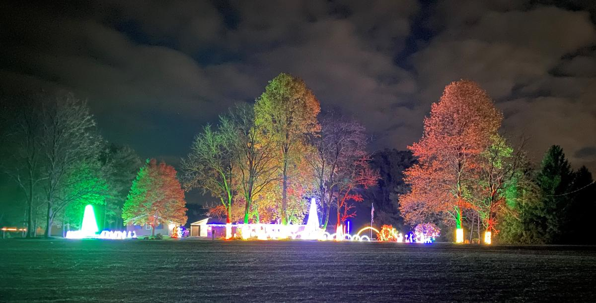 Heffelfinger Road House Light Display by Jason Pearson