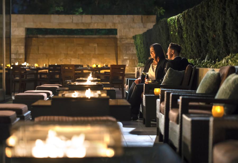 Quattro_Firetables_Couple_Four Seasons Hotel Silicon Valley-header-2220