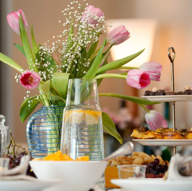 Mother S Day Dining In Boston Restaurants Specials More
