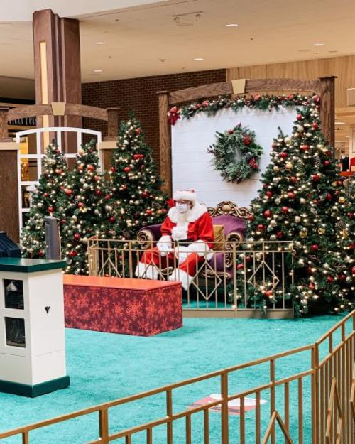 Santa at the Oak Park Mall in Overland Park