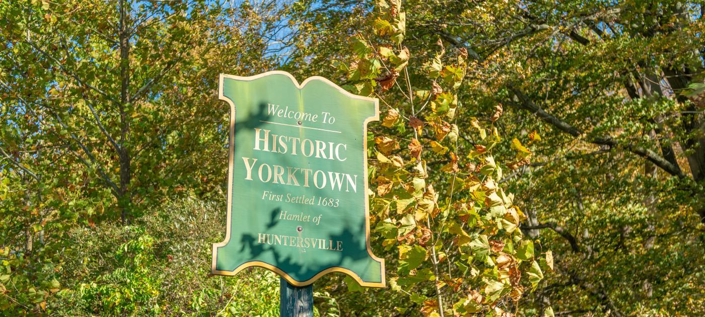 Historic Yorktown Sign