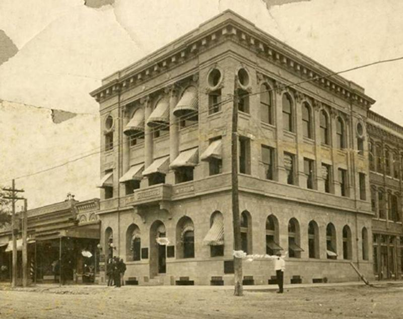 Old photo of San Marcos' First National Bank
