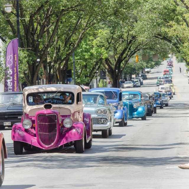 Street Rods parading through York