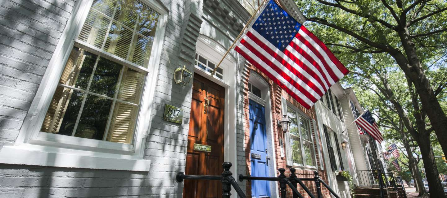 American Flags on resident doorsteps, celebrating the F4th of July in Alexandria, VA
