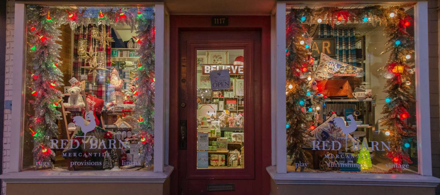 Red Barn Holiday Storefront