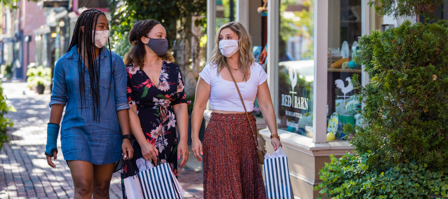 Shopping with masks
