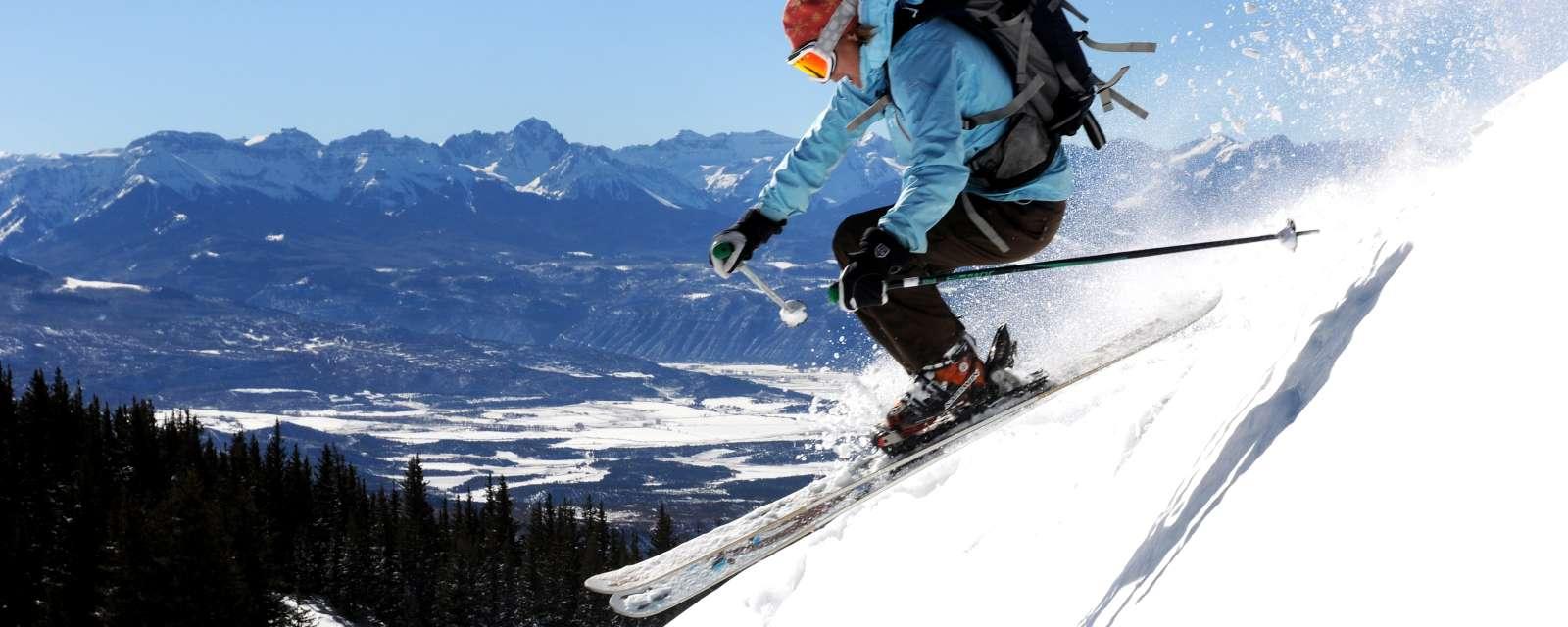 Skiausrüstung, Snowboards & Co ab auf die Piste | engelhorn