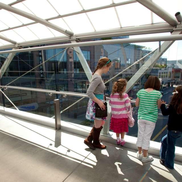 Bellevue Collection Skybridge
