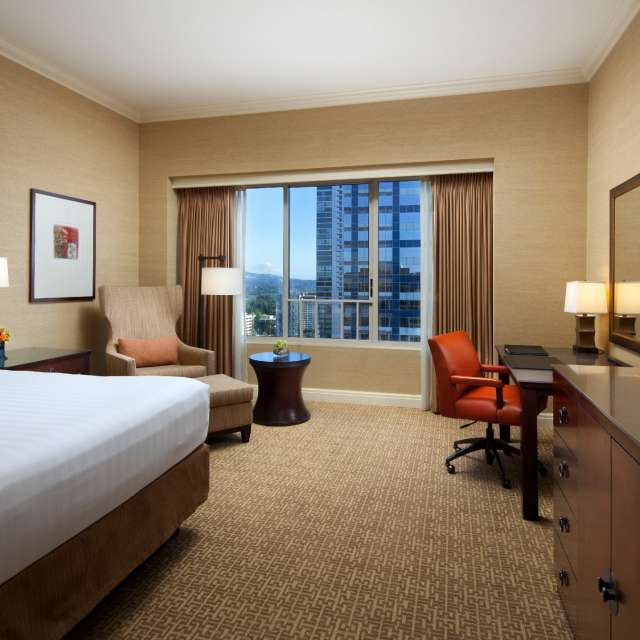 Hyatt Regency Bellevue Bedroom