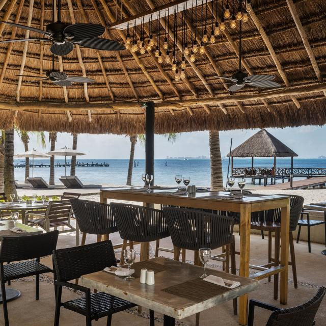 Beachside Dining Cabana
