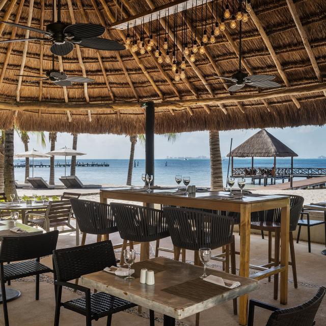 Beachside Dining Cabana