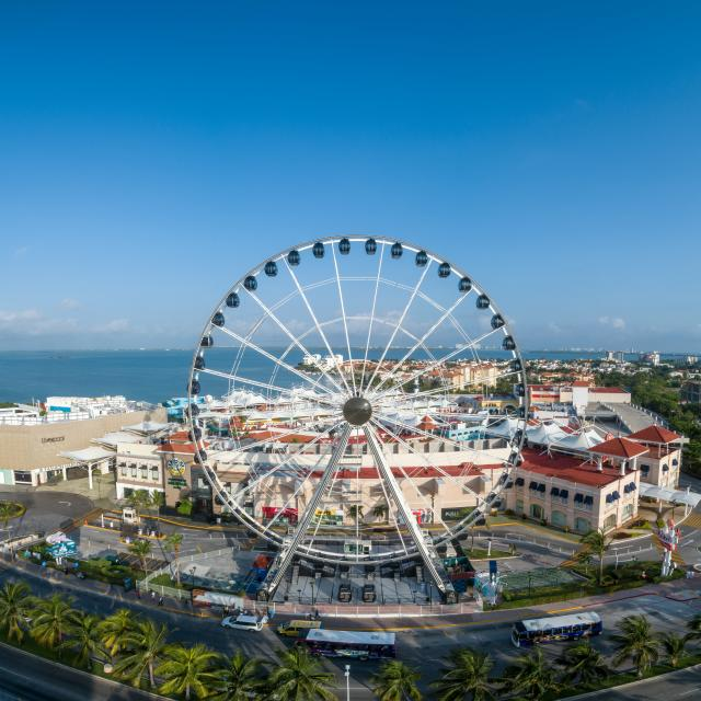Ferris Wheel Panorama 2