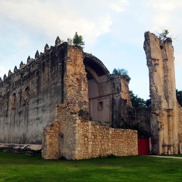 Zona Maya Church