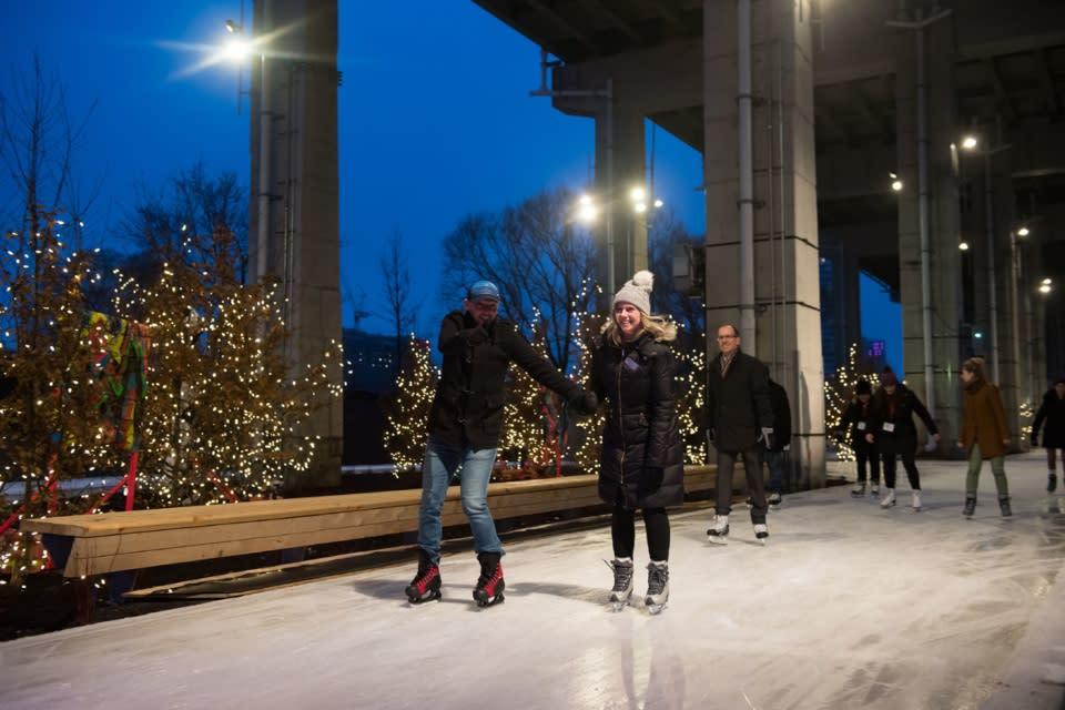 Skate-Bentway_Toronto