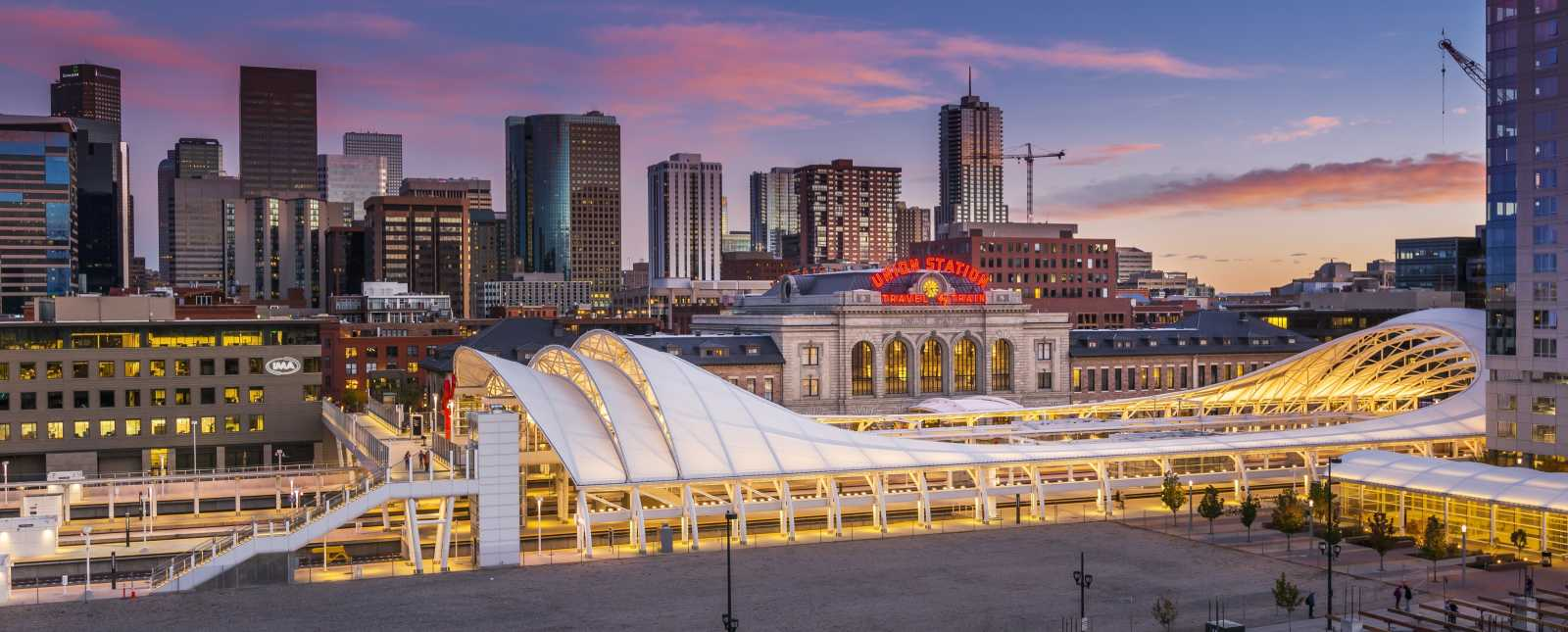 Copy of denver-union-station-rails-skyline-header