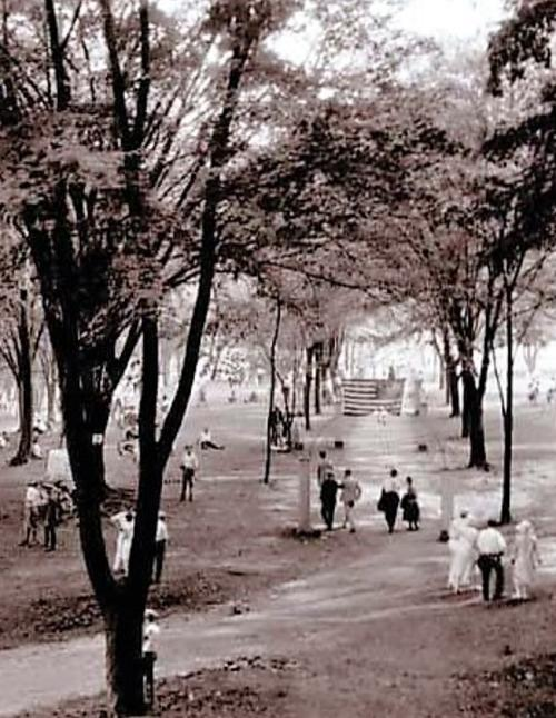Rose Island walkway 1920s