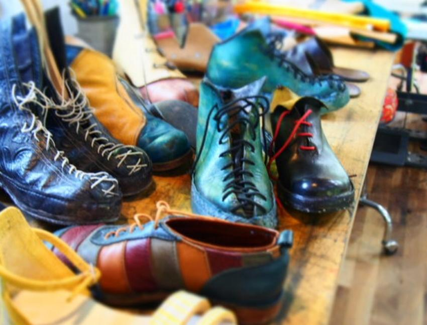 a-range-of-shoes-made-at-colorado-shoe-school-768x432