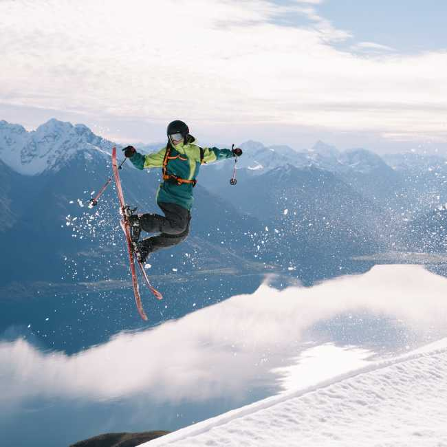 Skiier doing tricks
