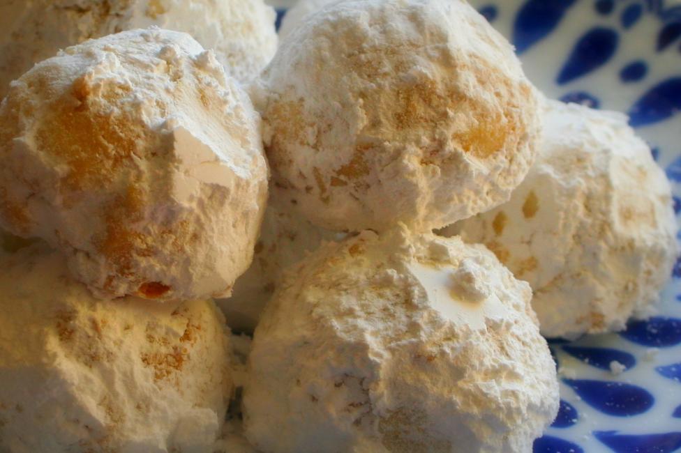 Holiday Almond Snowballs