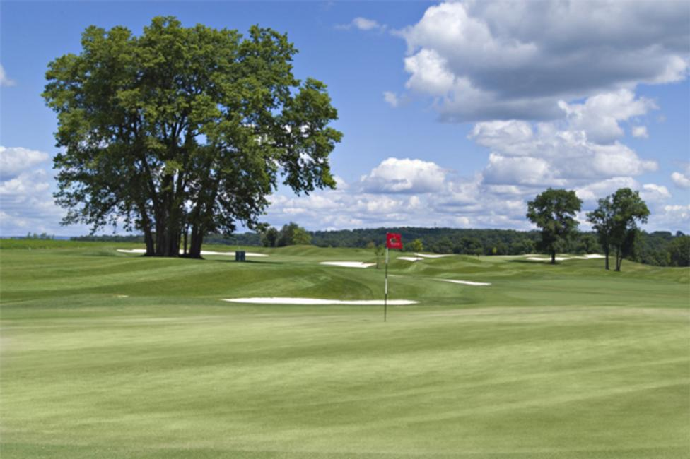 Spend More Time Driving From The Tee Than On The Road Lehigh Valley S Golf Scene