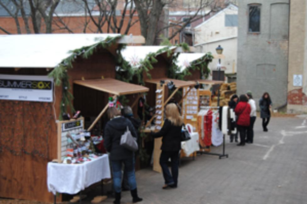 Christmas City Village Bethlehem Pa 2020 Visit Bethlehem's Christmas City Village – A Weekend Open Air