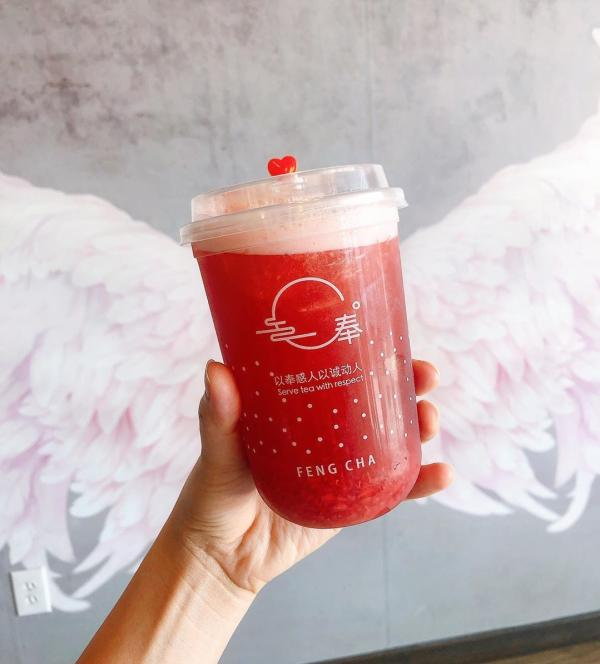 Strawberry Overload drink from Feng Cha Teahouse.