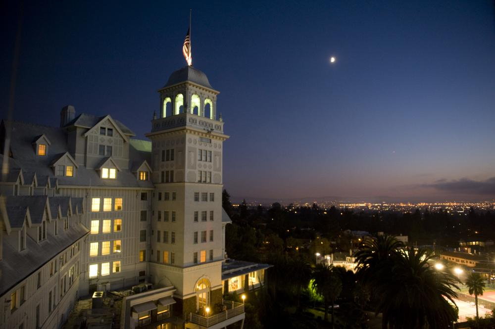 View of the Claremont Hotel in Oakland CA at night
