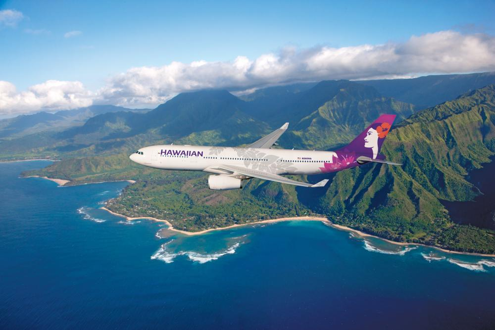 Hawaiian Airlines Airbus A330 in flight