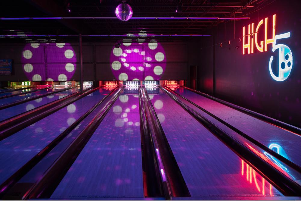 High 5 Anderson Lane bowling lanes in Austin Texas