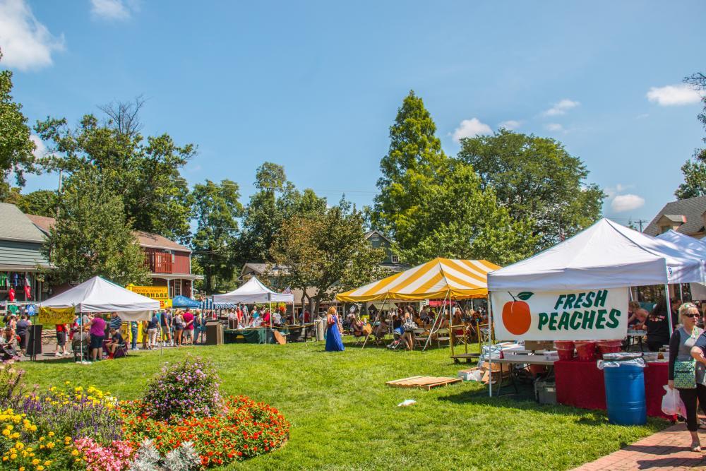 Peddler's Village Peach Festival