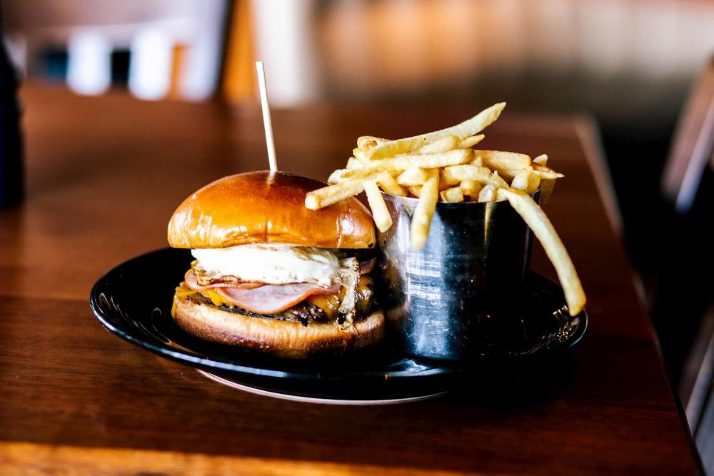 Deano's Fat Kid Burger